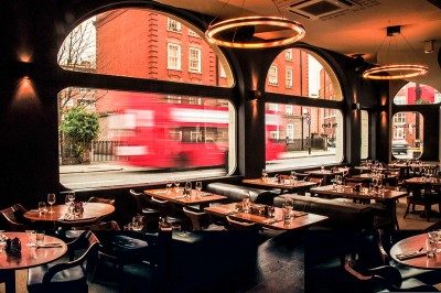 interior-restaurant-tables-and-chairs