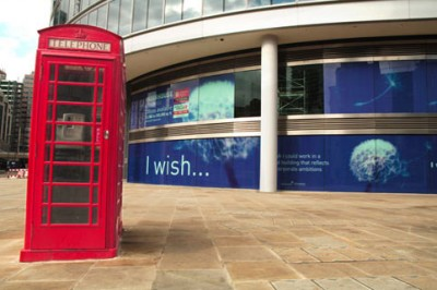 red-telephone-box-outdoor-street